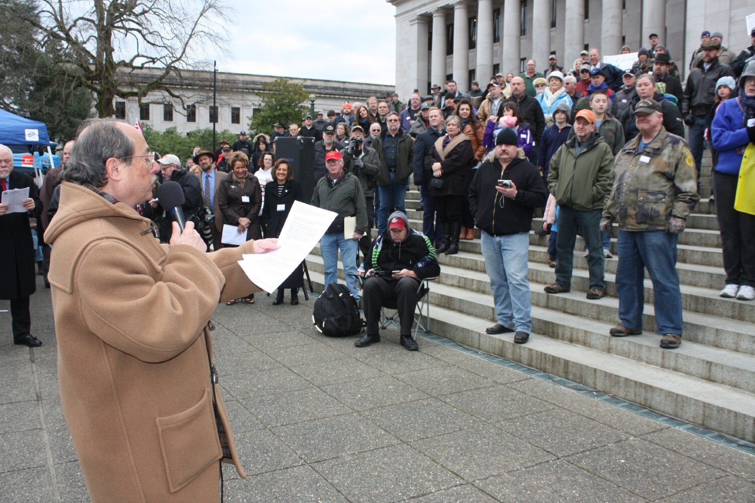 CCRKBA's Alan Gottlieb spoke to  Second Amendment activists at a rally in Olympia.