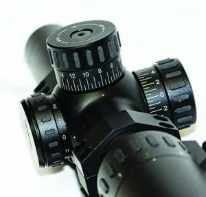 Competitors can quickly adjust the scope settings thanks to the large knobs on the L7.