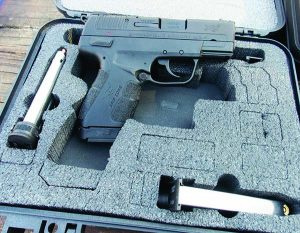 The XDE is supplied with three magazines—a clear advantage.